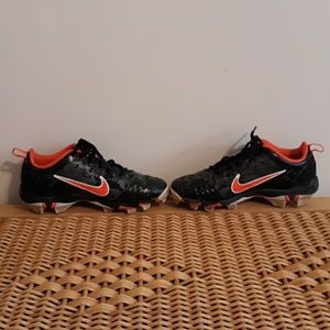 Nike youth  fastflex cleats